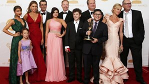 'Modern Family' e 'Breaking Bad' triunfam nos Emmy