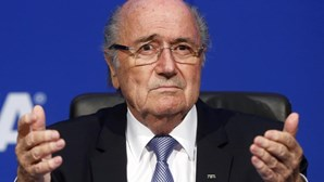 Blatter ouvido durante 14 horas no Tribunal Arbitral do Desporto
