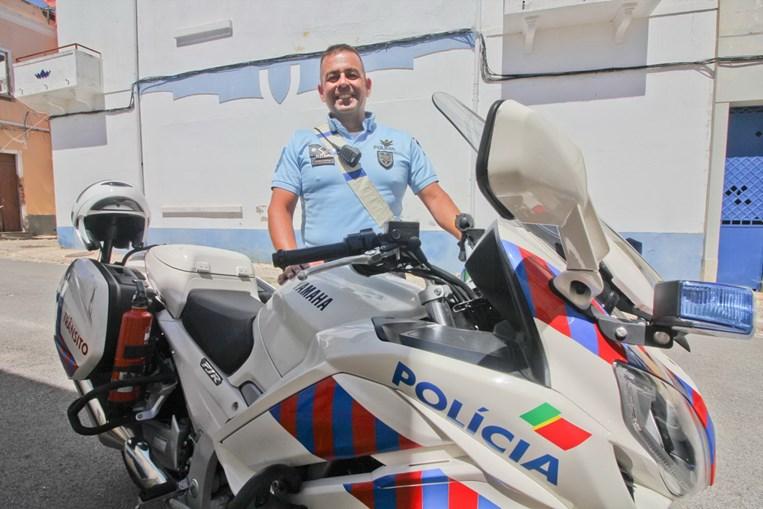Polícia salva homem após ataque cardíaco Img_900x509$2019_05_30_00_46_08_856204