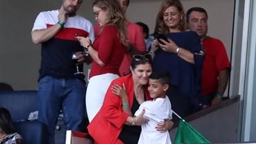 Família de Cristiano Ronaldo reunida nas bancadas do Dragão para torcer pela Seleção Nacional