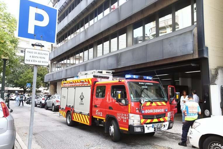 Técnico morre em queda de elevador do 17.º andar em edifício do banco BPI